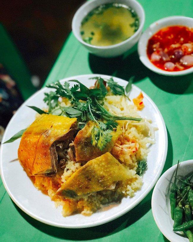 """7 1491982246116 - Hoa hậu Mỹ Linh """"mách"""" hàng loạt món ăn vặt ngon, giá chỉ từ 3000đ ở xứ """"hoa vàng cỏ xanh"""""""