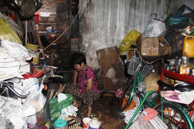 Cảnh đời nghèo mà vui của gia đình chồng vẽ tranh, vợ bán ve chai: Cứ vô tư mà sống, khổ cũng không buồn! - Ảnh 11.