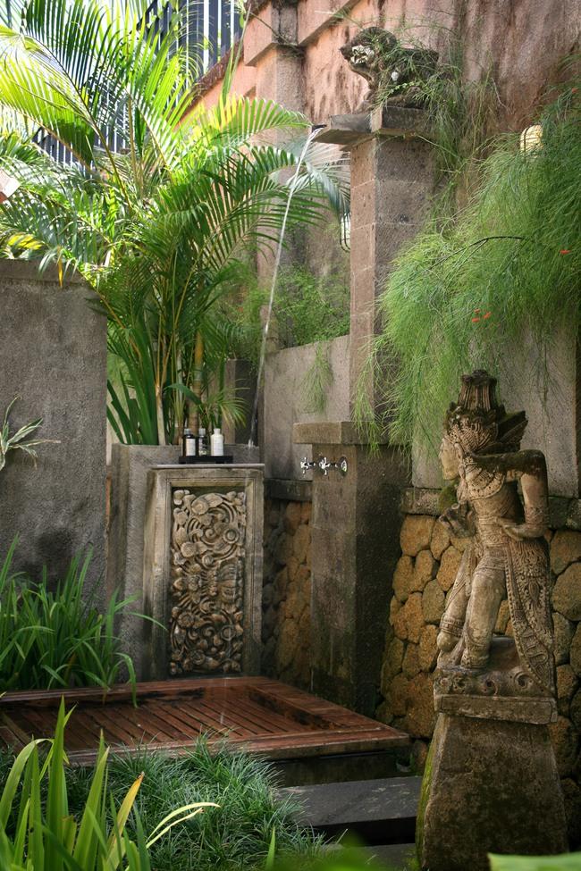 Nhà tắm ngoài trời, cách đơn giản để mang thiên đường vào không gian sống - Ảnh 2.