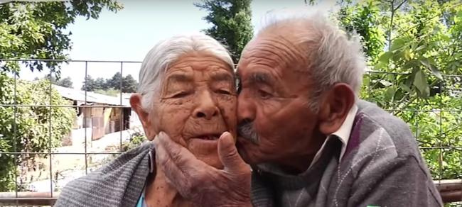 """85 năm kết hôn, đôi vợ chồng này vẫn yêu nhau """"như điên như dại"""", bí quyết chính là… - Ảnh 4."""