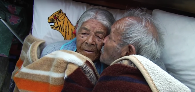 """85 năm kết hôn, đôi vợ chồng này vẫn yêu nhau """"như điên như dại"""", bí quyết chính là… - Ảnh 6."""