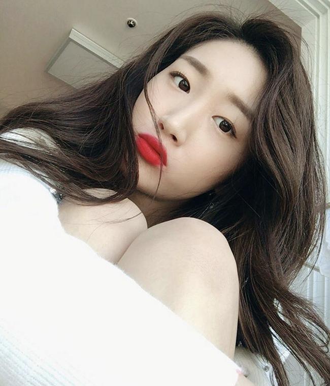 Muốn trang điểm đẹp chuẩn Hàn Quốc thì theo dõi ngay 5 cô nàng Beauty Blogger này - Ảnh 6.