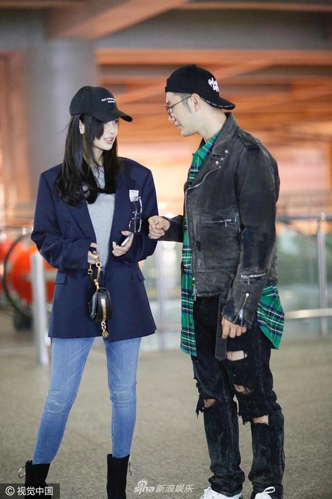Mặc kệ tin đồn Angelababy ngoại tình, Huỳnh Hiểu Minh vẫn yêu chiều vợ như thế này - Ảnh 1.