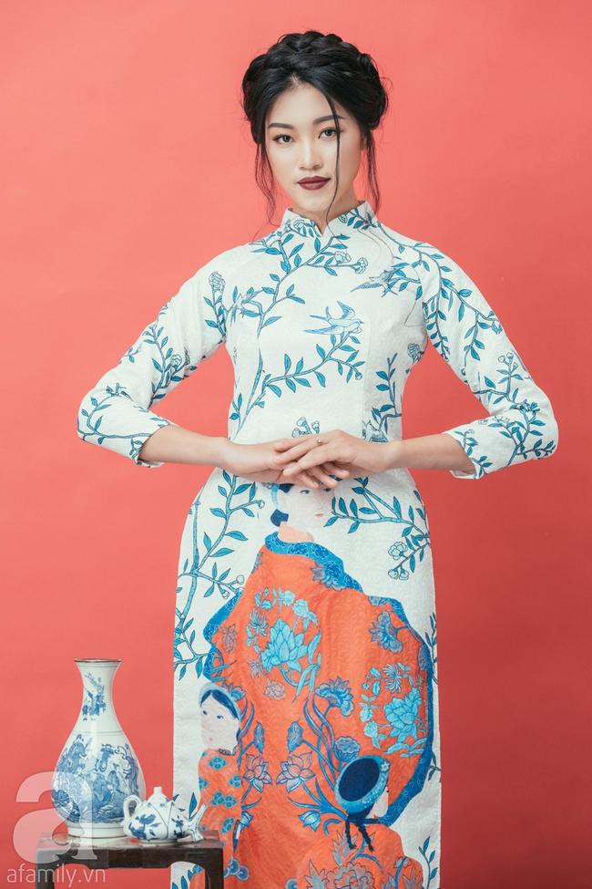 Rộn ràng không khí Tết cùng những thiết kế áo dài họa tiết đậm hương sắc ngày Xuân - Ảnh 12.
