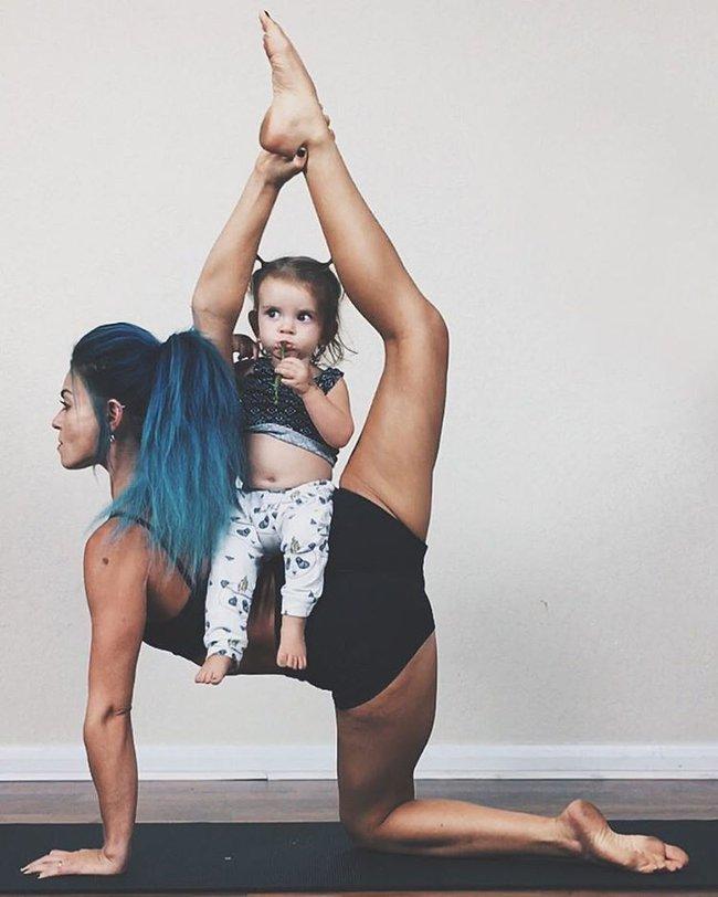 Ngẩn ngơ ngắm bộ ảnh 3 mẹ con cùng tập yoga đang gây bão Instagram - Ảnh 11.