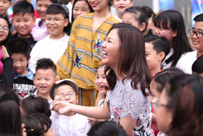 Bích Phương, Văn Mai Hương, Issac chính thức chấm thi Vietnam Idol Kids - Ảnh 6.