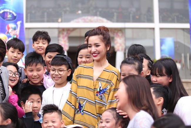 Bích Phương, Văn Mai Hương, Issac chính thức chấm thi Vietnam Idol Kids - Ảnh 7.