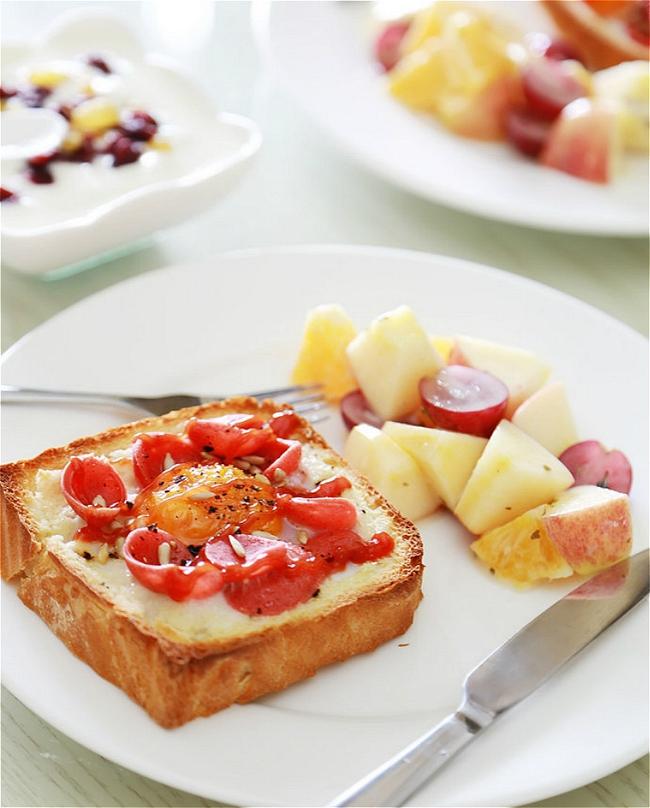 Bữa sáng hoàn hảo với bánh sandwich trứng xúc xích - Ảnh 4.
