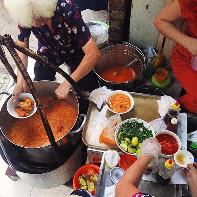 6 quán ăn bình dân chẳng cần quảng cáo nhưng lúc nào cũng tấp nập khách ở Sài Gòn - Ảnh 16.