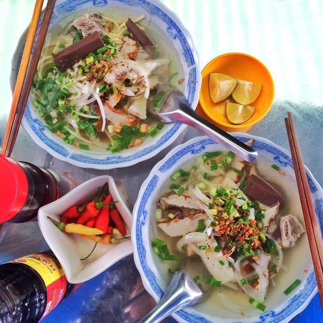 Nghỉ lễ 30/4 mà đi Phú Quốc, nhớ tìm đủ 6 món ăn thần thánh này để thưởng thức nhé - Ảnh 2.