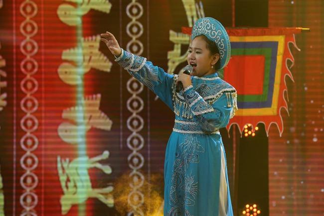 Đây là bé 13 tuổi vừa xinh, vừa hát dân ca hay như NSND Thu Hiền - Ảnh 23.
