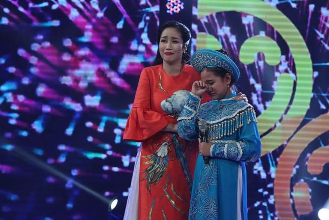 Đây là bé 13 tuổi vừa xinh, vừa hát dân ca hay như NSND Thu Hiền - Ảnh 24.