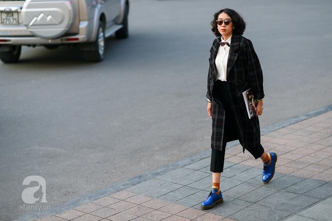 Street style pha trộn khéo léo chất hiện đại và cổ điển của quý cô hai miền - Ảnh 7.