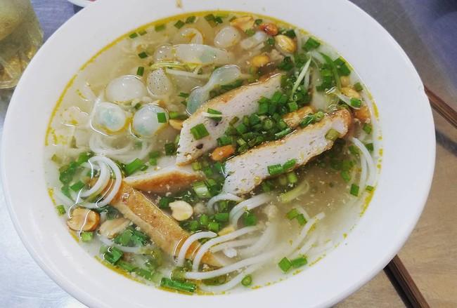 Đi từ Bắc đến Nam nếm 6 biến tấu bún cá, bánh đa cá ngon tê lưỡi - Ảnh 14.