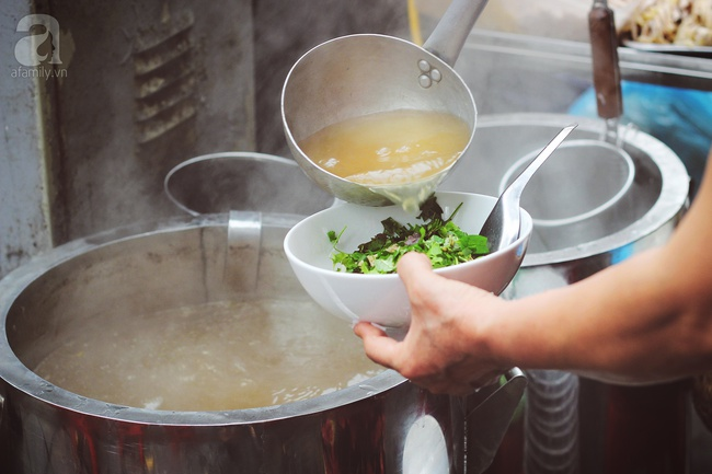 9 quán bún giá mềm cho bữa sáng ngon tuyệt ở Hà Nội - Ảnh 7.