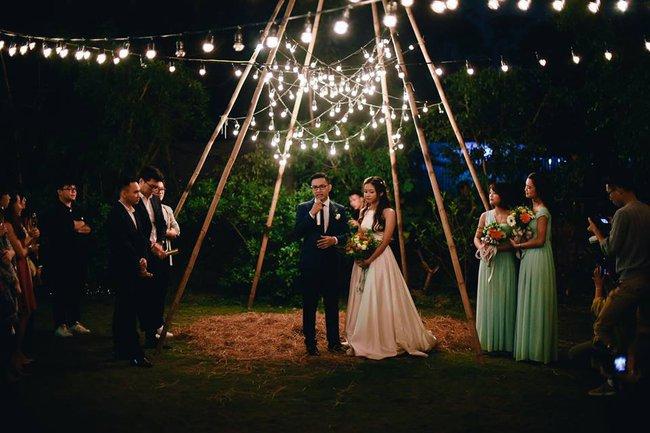 Yêu chết đi được với đám cưới siêu xinh tại khu vườn màu xanh của cặp đôi từng hẹn ước dưới mưa sao băng - Ảnh 14.