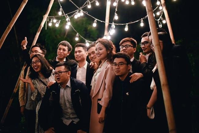 Yêu chết đi được với đám cưới siêu xinh tại khu vườn màu xanh của cặp đôi từng hẹn ước dưới mưa sao băng - Ảnh 27.