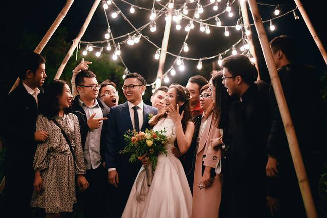 Yêu chết đi được với đám cưới siêu xinh tại khu vườn màu xanh của cặp đôi từng hẹn ước dưới mưa sao băng - Ảnh 28.