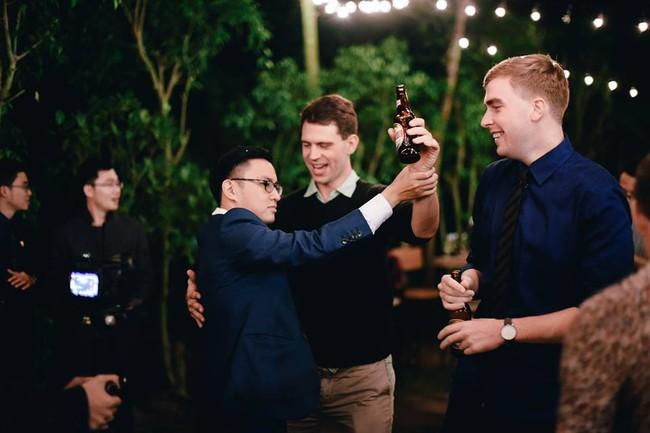 Đám cưới siêu xinh tại khu vườn màu xanh của cặp đôi từng ngầm hẹn ước dưới mưa sao băng - Ảnh 27.
