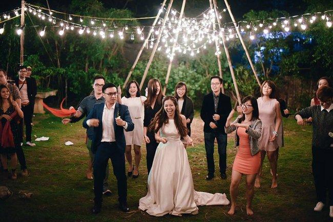 Yêu chết đi được với đám cưới siêu xinh tại khu vườn màu xanh của cặp đôi từng hẹn ước dưới mưa sao băng - Ảnh 25.