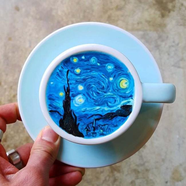 Độc đáo những tác phẩm nghệ thuật đỉnh cao trên tách cà phê - Ảnh 17.