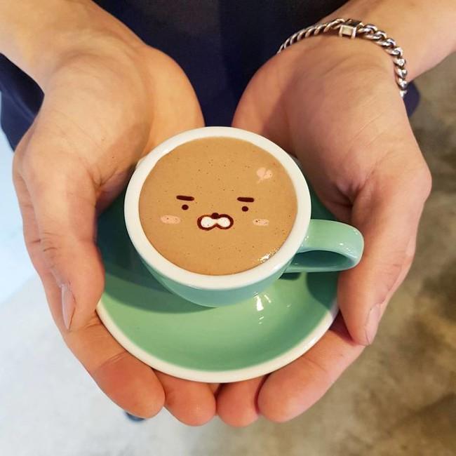 Độc đáo những tác phẩm nghệ thuật đỉnh cao trên tách cà phê - Ảnh 14.