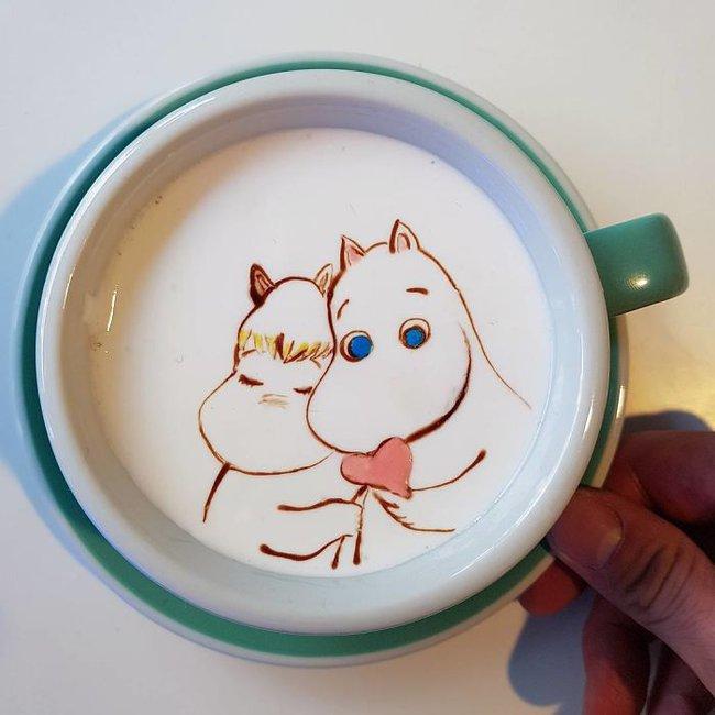 Độc đáo những tác phẩm nghệ thuật đỉnh cao trên tách cà phê - Ảnh 11.