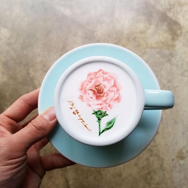 Độc đáo những tác phẩm nghệ thuật đỉnh cao trên tách cà phê - Ảnh 12.