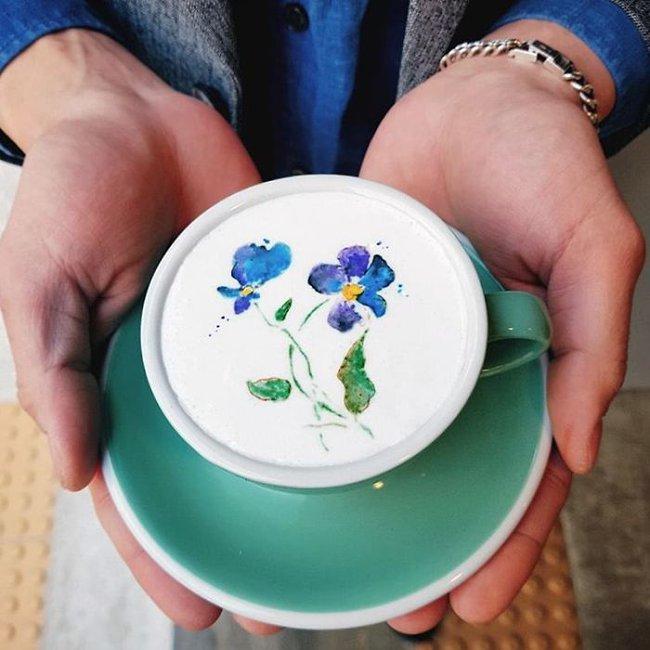 Độc đáo những tác phẩm nghệ thuật đỉnh cao trên tách cà phê - Ảnh 10.