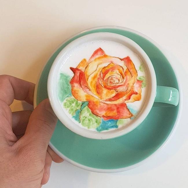 Độc đáo những tác phẩm nghệ thuật đỉnh cao trên tách cà phê - Ảnh 7.