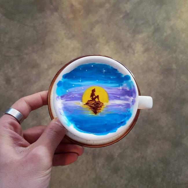 Độc đáo những tác phẩm nghệ thuật đỉnh cao trên tách cà phê - Ảnh 6.