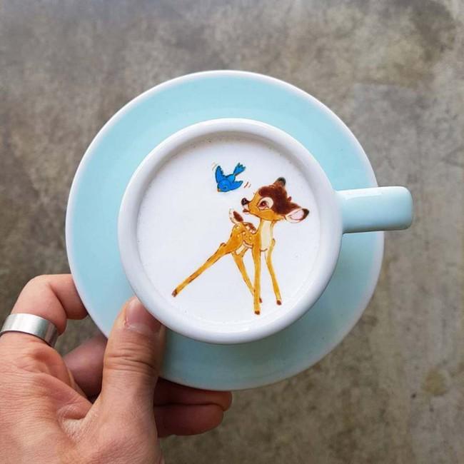 Độc đáo những tác phẩm nghệ thuật đỉnh cao trên tách cà phê - Ảnh 5.
