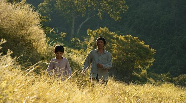 Cha cõng con - Phim Việt không ngôi sao tung trailer đẹp lung linh và chan chứa tình - Ảnh 6.