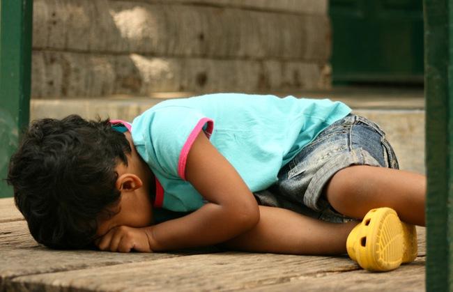 Bài học xương máu khi xử lý những cơn khủng hoảng tâm lý của trẻ - Ảnh 2.