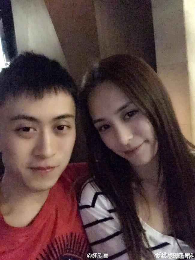Chung Hân Đồng lộ ảnh hẹn hò với thiếu gia khét tiếng của Thượng Hải - Ảnh 4.