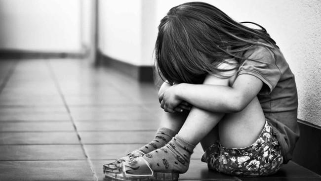 Cuộc đời tột cùng khổ đau của cô gái bị cha đẻ, cha dượng và bác cưỡng hiếp từ nhỏ 1