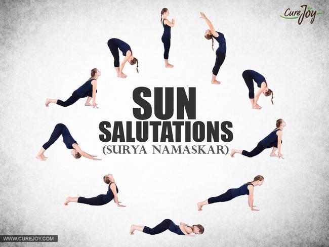 14 tư thế yoga dễ làm lại giúp giảm cân và detox cơ thể cực hiệu quả - Ảnh 1.