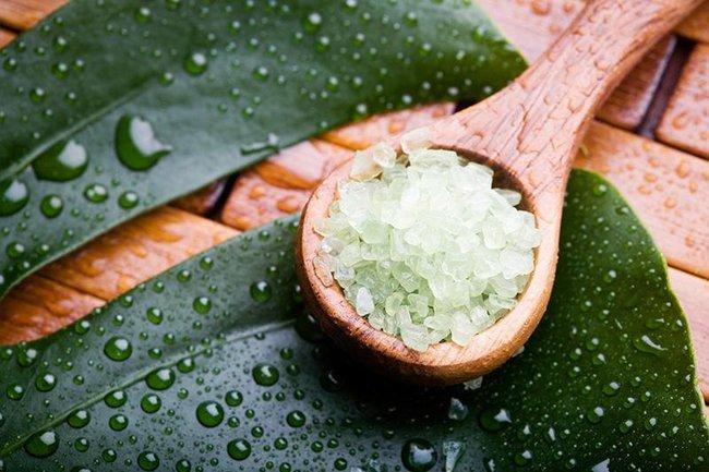 5 cách tự nhiên giúp chữa các vấn đề về đau lưng thông qua tắm rửa, massage và yoga - Ảnh 4.