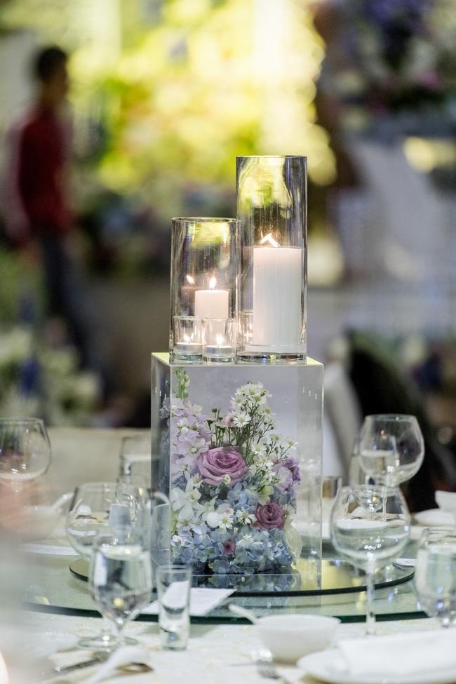 Đám cưới tiền tỷ sân khấu trải toàn hoa tươi nhập ngoại của cô dâu hoa khôi và chú rể Việt kiều - Ảnh 17.