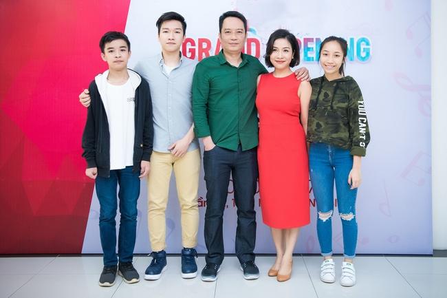 Gia đình Xuân Bắc, Đan Lê đưa con tới tụ tập chung vui với vợ chồng Mỹ Linh - Anh Quân - Ảnh 1.