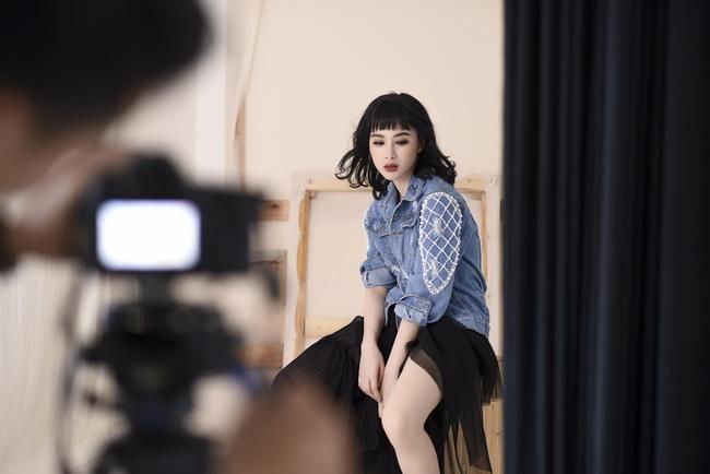 Không trang phục lộng lẫy, Angela Phương Trinh vẫn đẹp hút mắt nhìn - Ảnh 10.