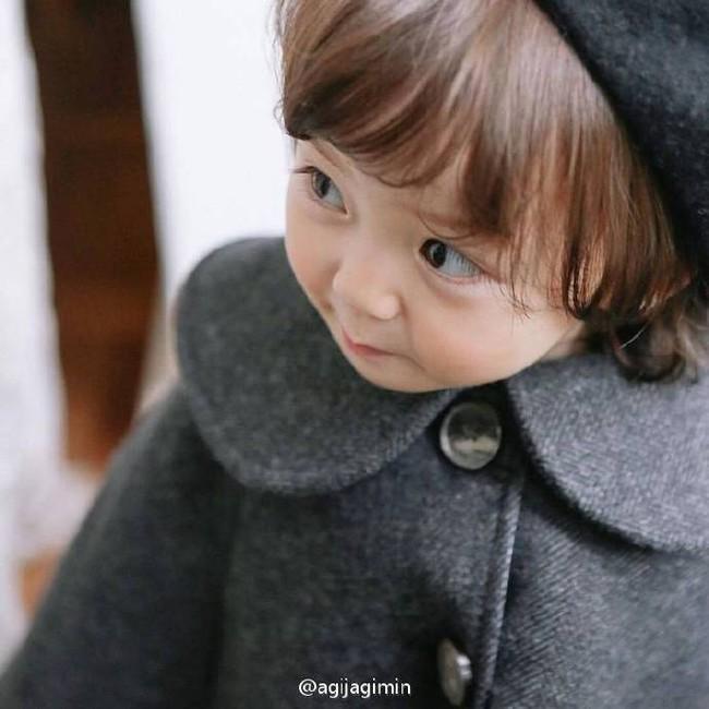 Bé gái 3 tuổi xinh xắn đốn tim hàng trăm nghìn cư dân mạng - Ảnh 9.