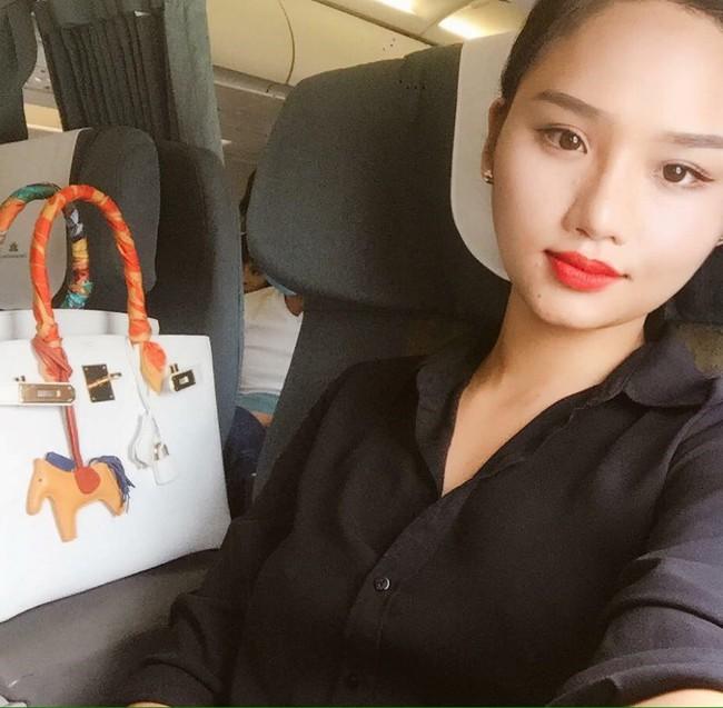 Những người đẹp Việt rất trung thành với một hãng túi hiệu - Ảnh 47.