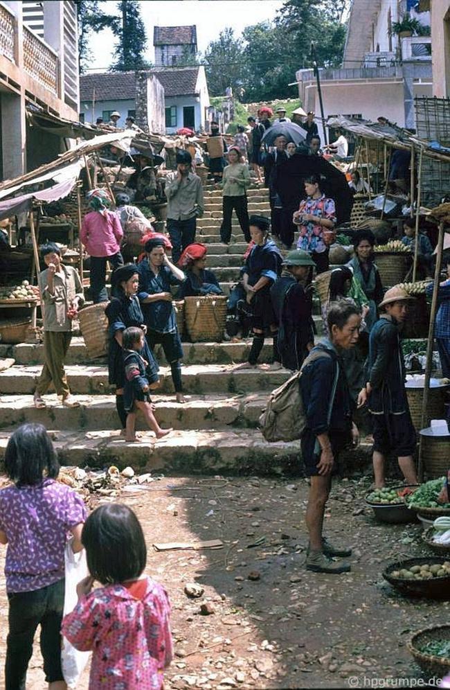 Quay ngược về 3 thập kỷ trước, lặng ngắm cổ trấn Sapa hoang sơ trong mắt nhiếp ảnh gia Tây - Ảnh 26.