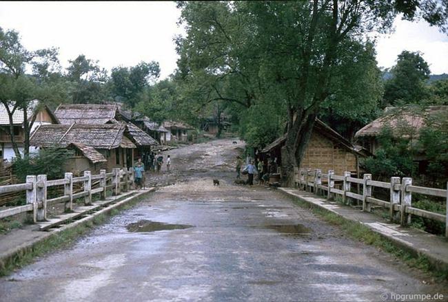 Quay ngược về 3 thập kỷ trước, lặng ngắm cổ trấn Sapa hoang sơ trong mắt nhiếp ảnh gia Tây - Ảnh 5.