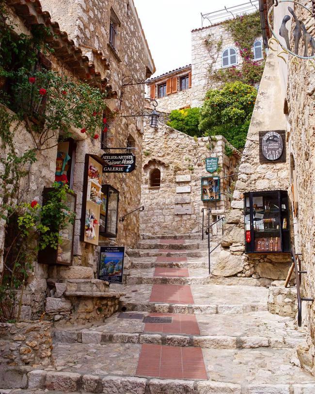 10 ngôi làng đẹp như thiên đường dưới hạ giới của nước Pháp - Ảnh 23.