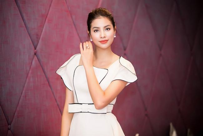 Mặc lời đồn ngồi ghế nóng Next Top Model, Phạm Hương vẫn đẹp cổ điển thế này - Ảnh 8.