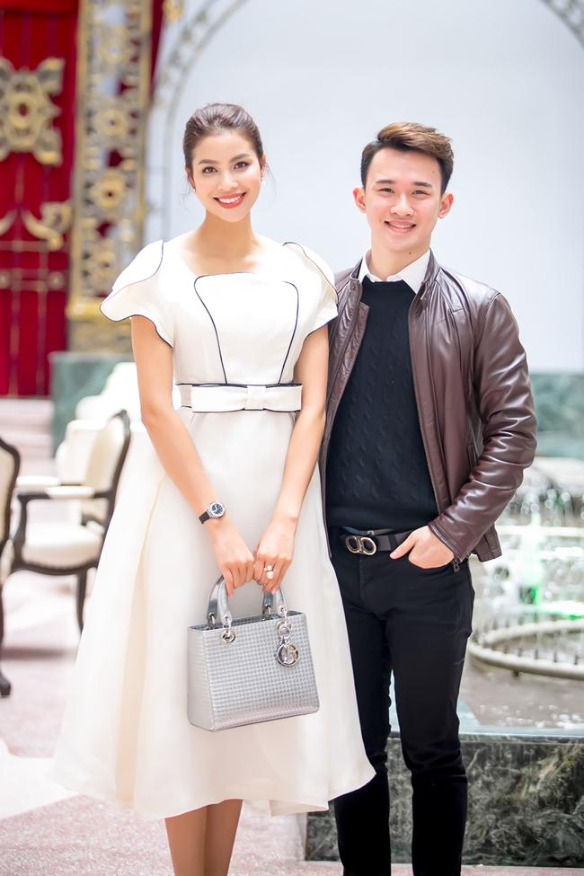 Mặc lời đồn ngồi ghế nóng Next Top Model, Phạm Hương vẫn đẹp cổ điển thế này - Ảnh 4.