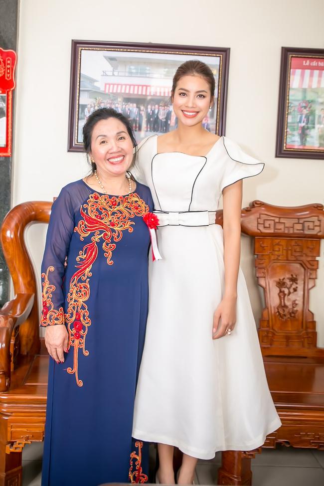 Mặc lời đồn ngồi ghế nóng Next Top Model, Phạm Hương vẫn đẹp cổ điển thế này - Ảnh 9.