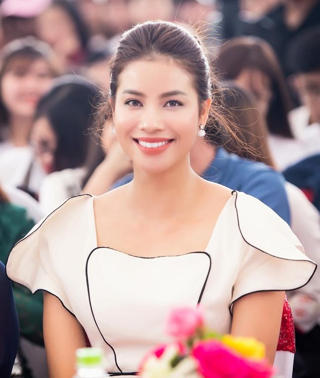 Mặc lời đồn ngồi ghế nóng Next Top Model, Phạm Hương vẫn đẹp cổ điển thế này - Ảnh 7.